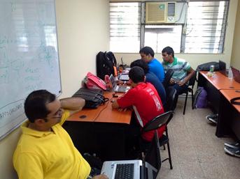 Estudiantes, Asesores Formulando Proyecto SIFREESEA
